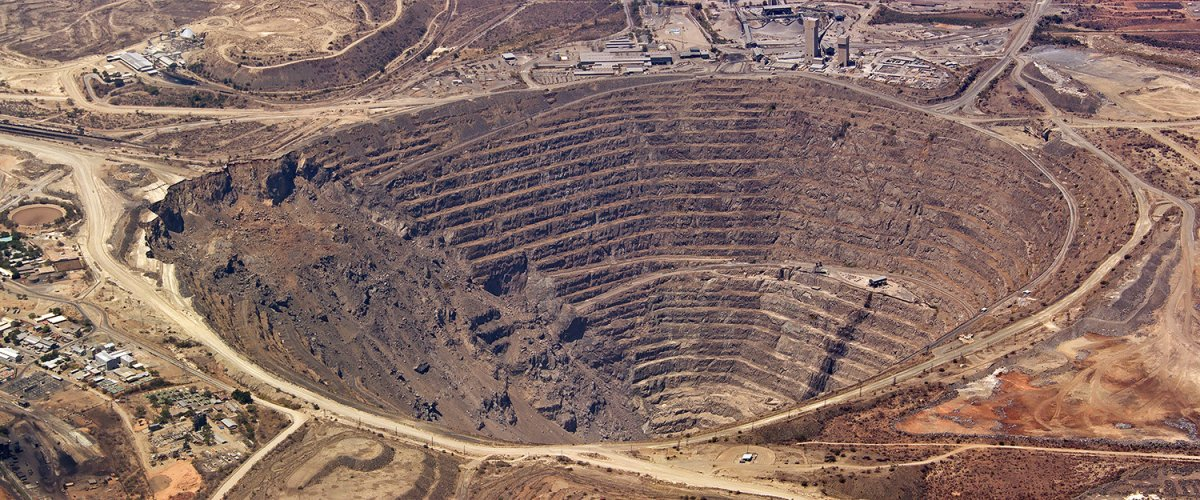 focuseconomics_aerial_view_of_enormous_copper_mine_at_palabora_south_africa_54136903.jpg